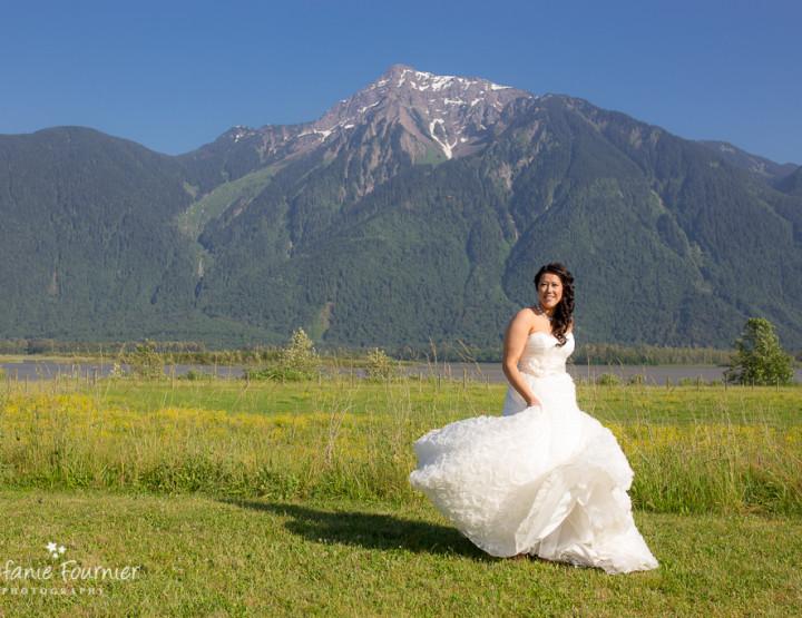 Scott & Mercedes' Fraser River Lodge Wedding