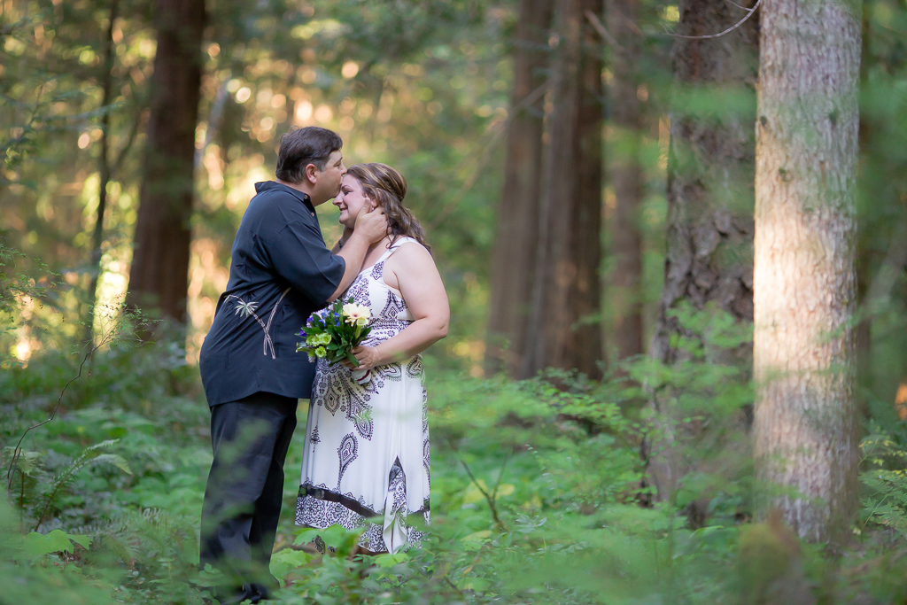 Parksville-Elopement-Wedding-Photographer
