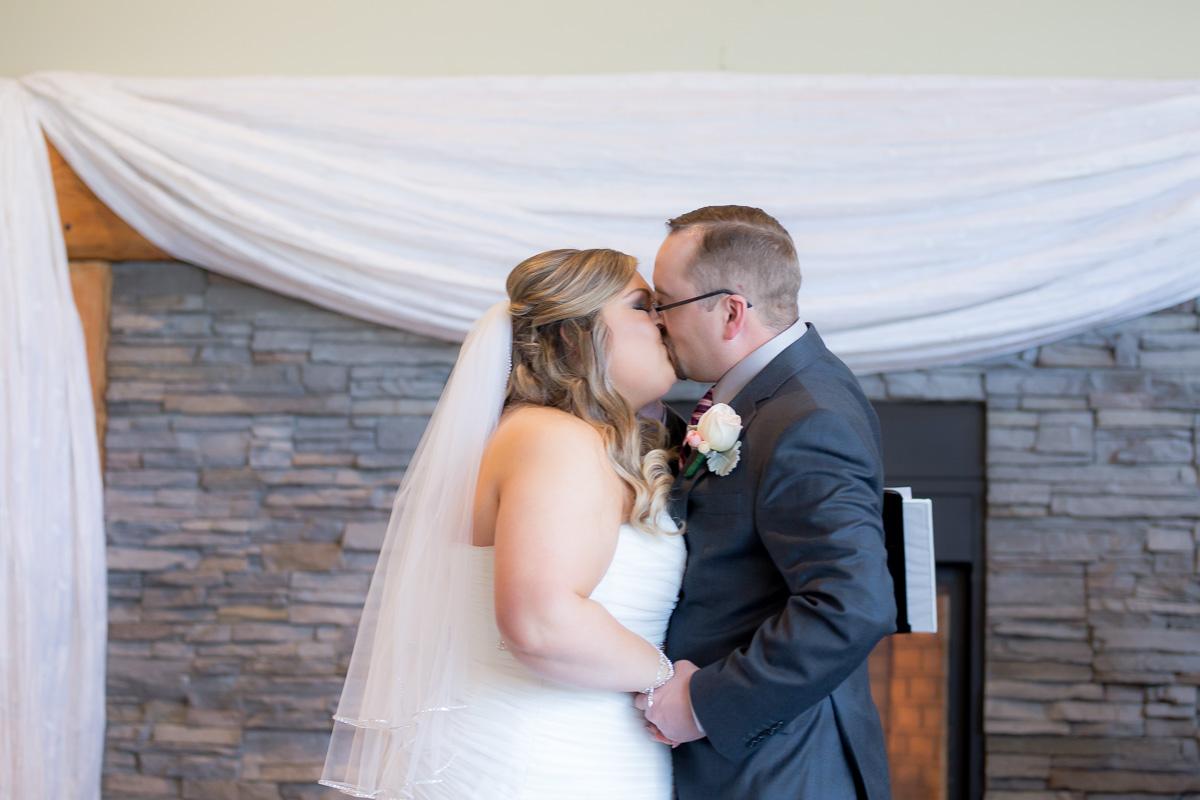 K Amp A S Wedding At Fraser River Lodge In Agassiz Stefanie Fournier Wedding Photographer